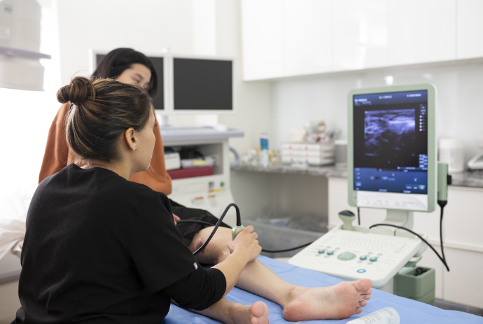 Vein Treatment Clinic is a state-of-the-art and accredited spider and varicose vein clinic near SD. This article highlights the essential qualities of our vein treatment center in San Diego.